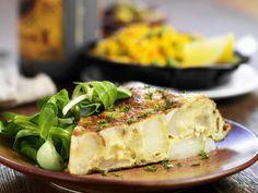 Spanische Kartoffeltortilla - smarter - Zeit: 20 Min. | eatsmarter.de Auch zu Tortilla passt Feldsalat.