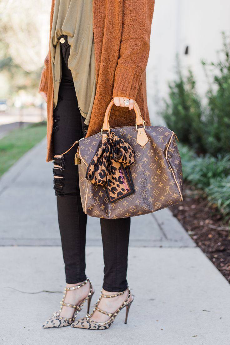How to update your wardrobe in 2018, how to update your wardrobe, Free People January Tee, ASOS cardigan, rust cardigan, rust sweater, Frame le color rip skinny jeans, Valentino Rockstud heels, leopard Valentino rockstud, leopard valentino rockstud heels, leopard rockstuds, Louis Vuitton speedy 30