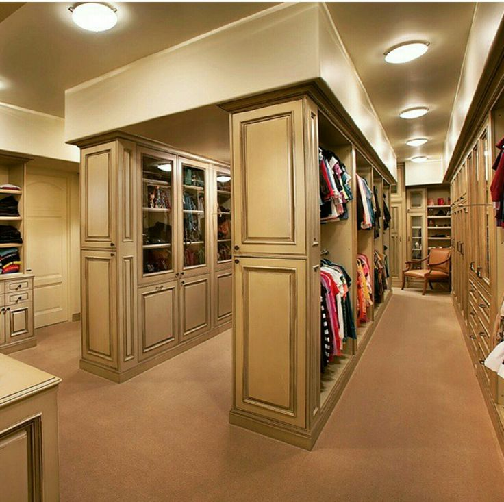 Charming Large Walk In Closet