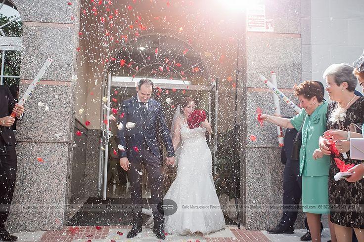 #Boda {Felix+Paky}. #Lluviadearroz #EfectoSensuum #SensuumBoutique © #fotografosdeboda #Merida #Badajoz #Caceres #Extremadura #emocionesysensaciones #felicidad #pareja #amor #love #novios #wedding #prewedding #bodaExtremadura #meridafotografos #sensuumfotografos #fotografosdemerida #bodamerida #novios2017 #love #sentimientos #fotografiaemocional #fotografosdebodaExtremadura #bodasBadajoz #BodasCaceres #weddingExtremadura  #Calamonte #Castuera #Guareña #BodasCalamonte #Momentosunicos…