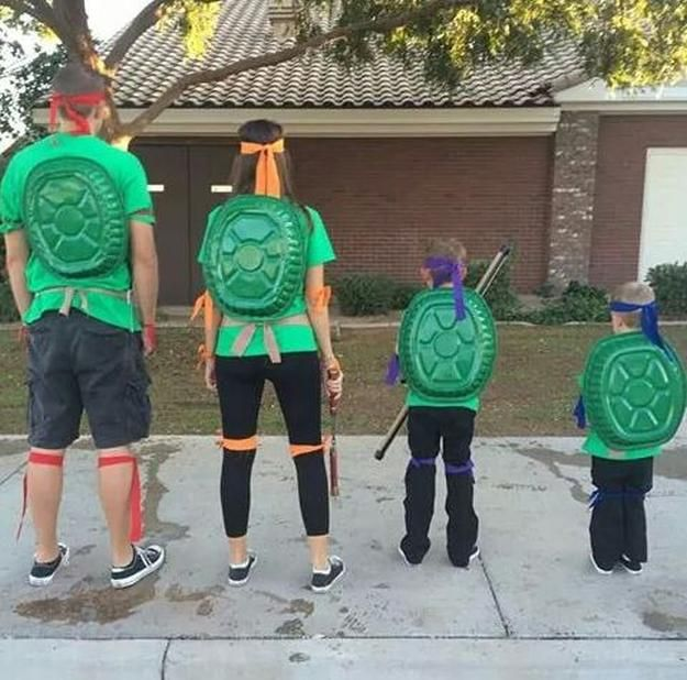 Family Ninja Turtle DIY Costume | Cute And Creative Halloween Costumes by DIY Ready at http://diyready.com/diy-ninja-turtle-costume-ideas/