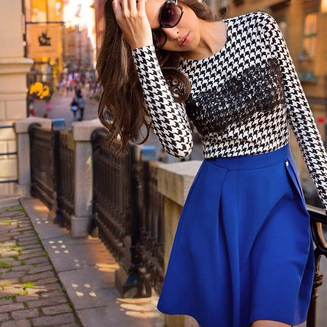 Стиль преппи, произошедший от школьной формы учащихся престижных колледжей, вновь набирает популярность среди поклонников моды. Элитарный внешний облик - главная отличительная особенность преппи. Такие образы особенно эффектно смотрятся на фоне опавших листьев, а также на роскошных девушках в стиле LOVE REPUBLIC! #loverepublic_style
