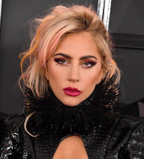 La mise en beauté de Lady Gaga à la cérémonie des Grammy Awards 2017