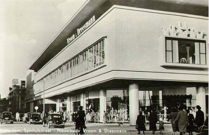 Rotterdam - winkel 'Vroom & Dreesmann', Spinhuisstraat, Rotterdam, 1952. 31-03-1953 werd Spinhuisstraat gewijzigd in Beursplein..