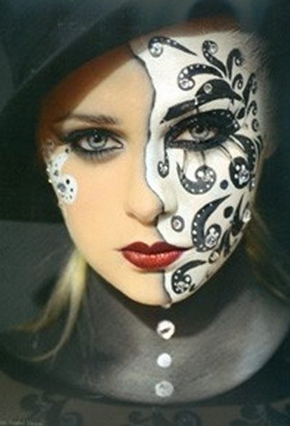 Beautiful Face Painting - www.pinterest.com/wholoves/Beautiful faces - #beautiful #faces