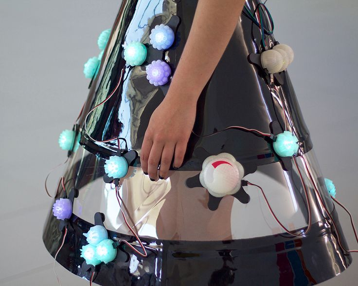 Environment Dress, vestido inteligente por Castellanos + Valverde