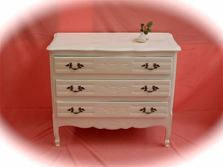 ¡Comoda Provenzal en venta publicada en Vivavisos! http://muebles-usados.vivavisos.com.ar/muebles-usados+flores/comoda-provenzal-estilo-shabby-chic/40554319