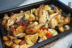 Pollo al horno con patatas y verduras - Pollo al horno con patatas y verduras, una receta fácil y rápida, solo tenemos que preparar todos los ingredientes en una placa para el horno y listo, es ideal para cuando tenemos muchos comensales ya que conseguimos un plato perfecto y bueno y no requiere mucho trabajo. Una receta de pollo mu... - http://www.lasrecetascocina.com/pollo-al-horno-patatas-y-verduras/