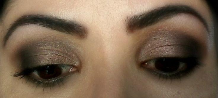 [1] #MakeUp #eyes >> Treinar e treinar: uma hora ficará mega bom! =)