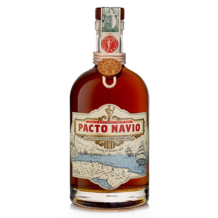 Pacto Navio est un rhum vieux de grande qualité et authentiquement cubain. Celui-ci est réalisé par un assemblage de plusieurs rhums puis il est mit à vieillir dans la distillerie de San José .