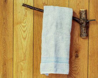 Árbol rústico rama toalla estante, barra de toalla de madera, cabaña baño decoración, estante de toalla de baño madera, accesorios de baño, toalla Natural ganchos