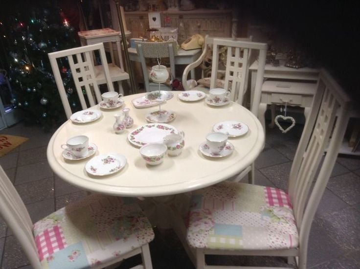 Shabby Chic Vintage Painted Table 4 Chairs