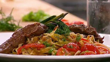 Жареная капуста. Рецепты жареной капусты. Как правильно готовить жареную капусту - полезные советы. Секреты и рецепты приготовления жареной капусты от опытных кулинаров.