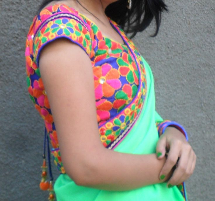 Colorful kutchi work blouse....trendy! Inspired by the look of Kumud (Jennifer Winget) in Saraswatichandra