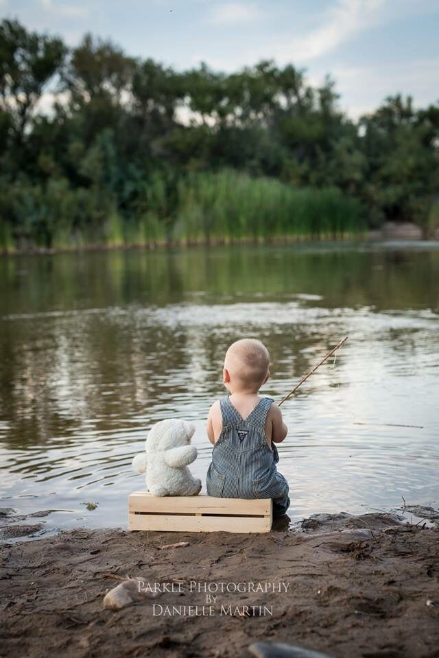 First Birthday, Fishing Photo Shoot, Best Friends, Phoenix Childrens photographer, Parkle photography, Salt River, Tonto National Forest