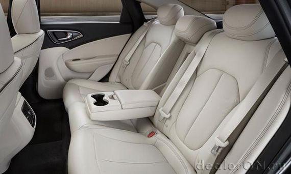 Задние сиденья Крайслер 200 2015 / Chrysler 200 2015