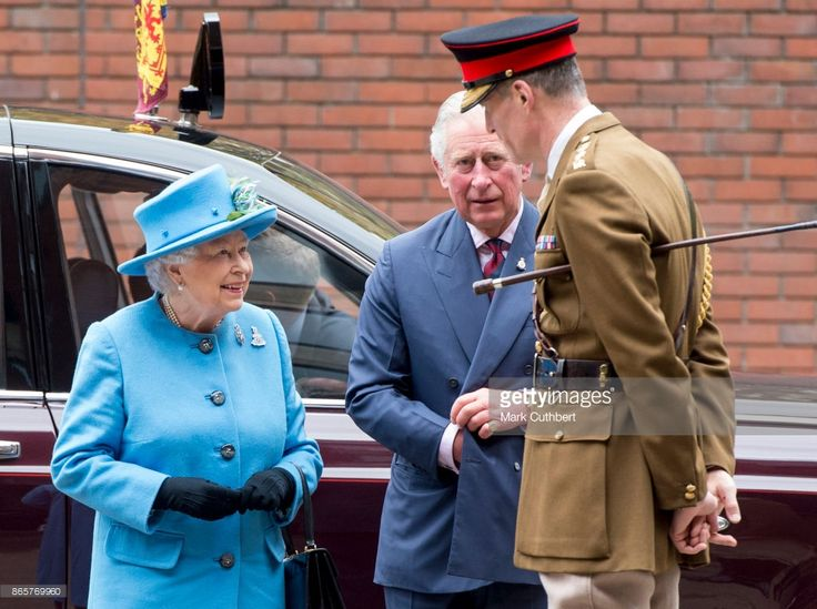 Queen Elizabeth II and Prince Charles, Prince of Wales during an official visit to the Household Cavalry Mounted Regiment at Hyde Park on October 24, 2017 in London, England.  (Photo by Mark Cuthbert/UK Press via Getty Images )