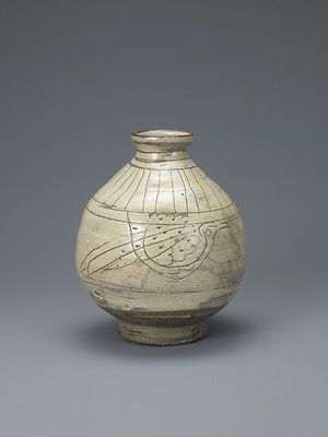 Buncheong Bottle with Incised Decoration of Birds. Joseon dynasty; 15th century. Samsung Museum of Art, Seoul