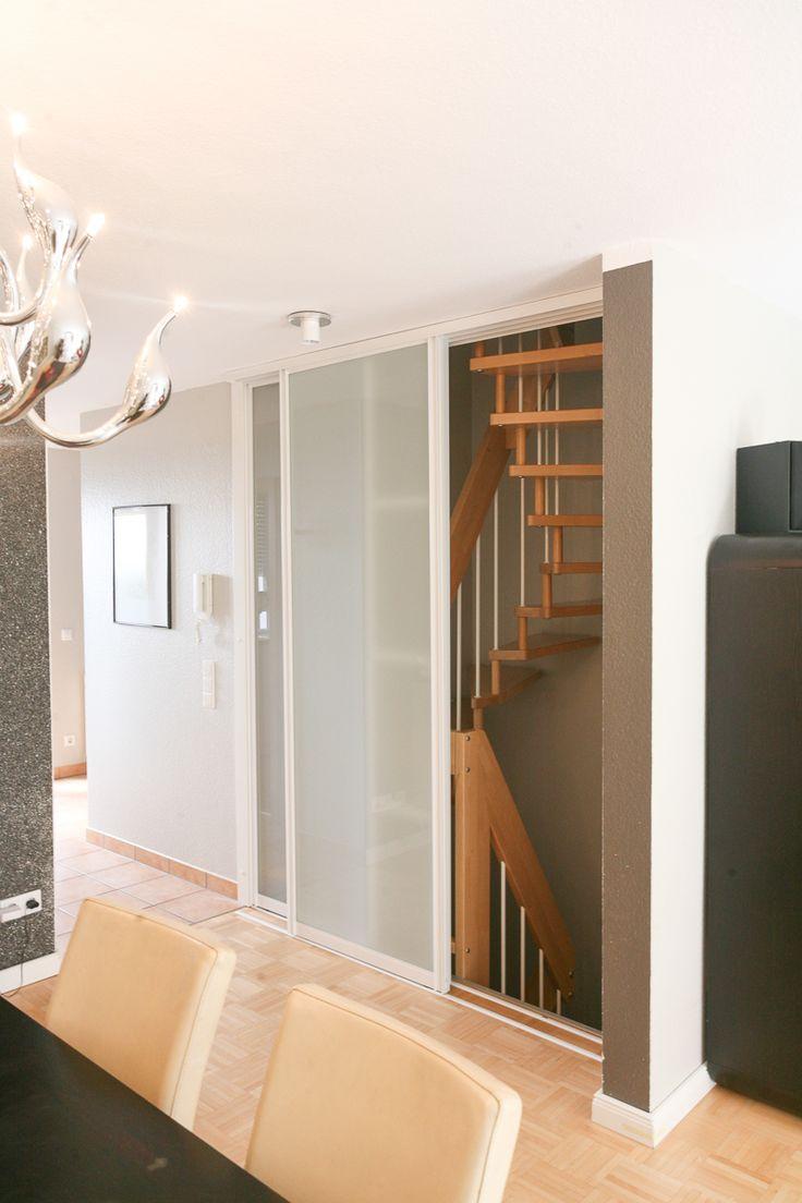 die besten 25 kleiderschrank mit schiebet ren ideen auf pinterest schrank mit schiebet ren. Black Bedroom Furniture Sets. Home Design Ideas