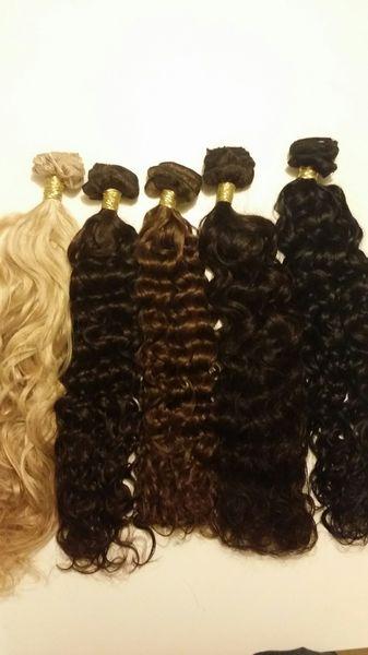 Äkta brasilianskt Virgin hår av bästa kvalité, 1 hårdel clip vågigt Håret smälter in med det egna håret och är mjuk, len och helt trasselfritt. Du kan tvätta och styla håret och det behåller sin kvalité och färg och blir mjuk och len även efter tvätt Tvätta med milt schampo anpassat för löshår och låt lufttorka Håret är 100% äkta, obehandlat och ej fabrikerad och mycket naturligt som håller hög kvalité Specifikationer: Hår: Brasiliansk Färg: #613 Längd: 61 cm vikt:100 gram Antal delar: 1 st
