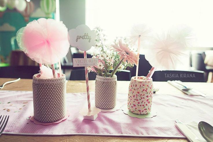Pretty table decoration by Eve & Artistry.