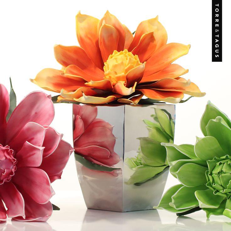 Celebrate springtime and brighten up your home with a stunning faux floral Desert Jumbo Burst Bloom! #TorreAndTagus #DesertJumboBurstBloom #MayFlowers #HomeDecor www.torretagus.com