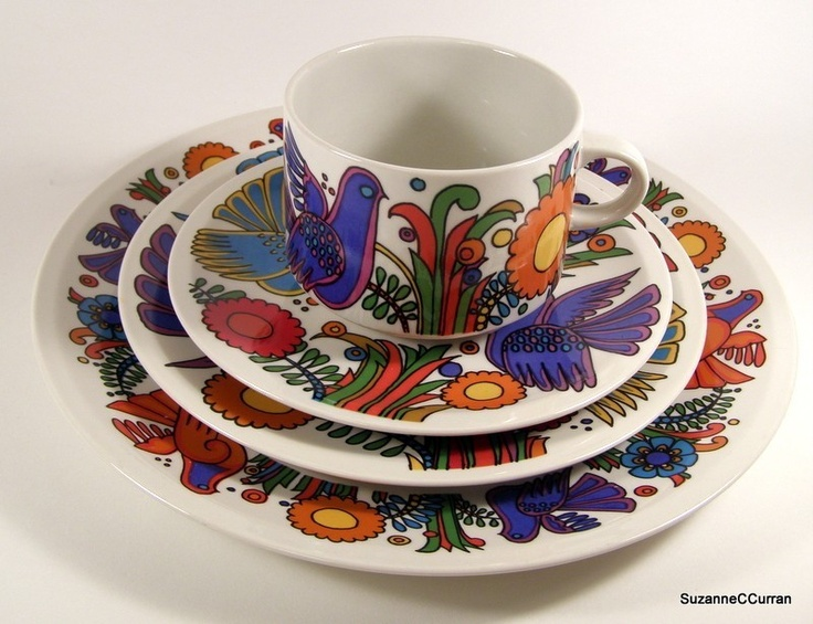 a service for 100 in this vintage Villeroy & Boch pattern