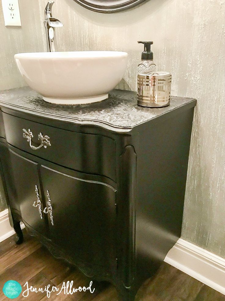 best 25 black painted dressers ideas on pinterest diy furniture redo cheap black dresser and. Black Bedroom Furniture Sets. Home Design Ideas