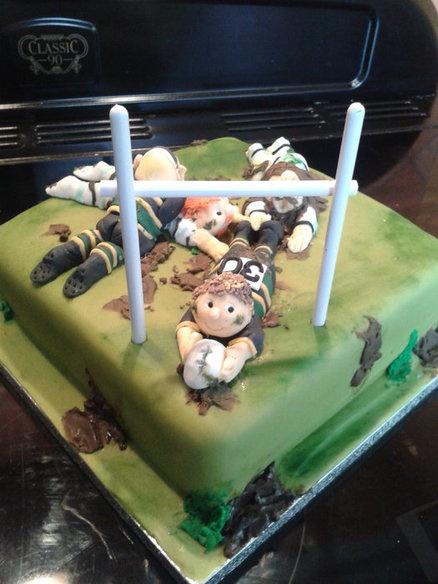 Rugby scrum cake - by Karen Flude @ CakesDecor.com - cake decorating website