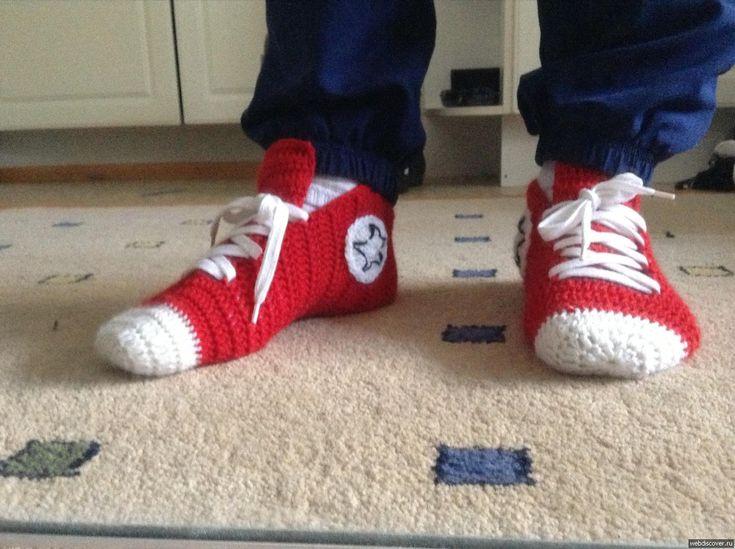 Мужские носки-кеды, связанные крючком  Оригинальные, вязаные спицами носки-кеды станут отличным подарком для любимого мужчины.   Размеры: 30 (38) 46  Для вязания мужских носков вам потребуется:  - пря…