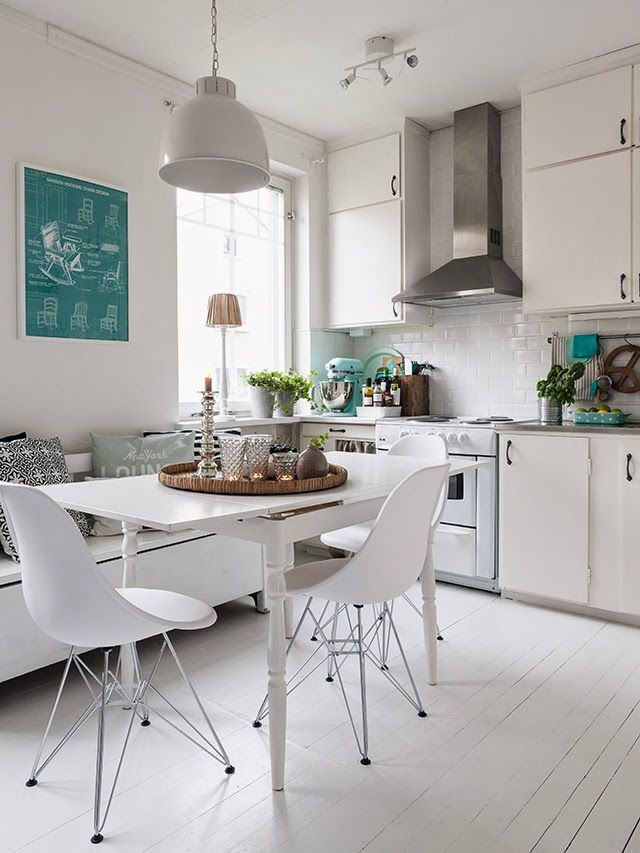 Love this mixture of old, vintage and modern. Dream kitchen for sure.