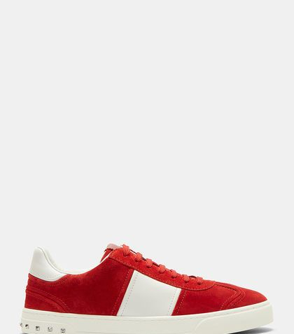 VALENTINO CLASSIC CONTRAST PANEL STUD SNEAKERS. #valentino #shoes #