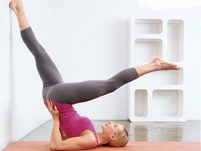 Toda a mulher gosta de sentir disposição, energia e flexibilidade. Ter tudo isto pode ser mais simples do que imagina. Só precisa, em primeiro lugar conseguir aguentar o próprio corpo e ficar estático por alguns instantes. Vai sentir as mudanças no seu corpo em muito pouco tempo! São apenas 5 exercícios que duram entre 5 a 30 segundos durante 4 a 5 dias durante a semana.