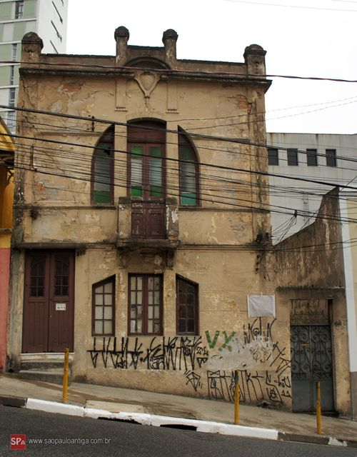 House from 1916 in Bela Vista.  Sao Paulo - Brazil.