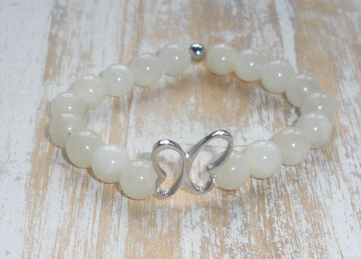 Pulsera piedra preciosa Luna y Mariposa de Acero en plata con terminacion en pequeña bolita de acero exclusiva de Mémola.http://memola.com.es/shop/es/16-pulseras-piedra