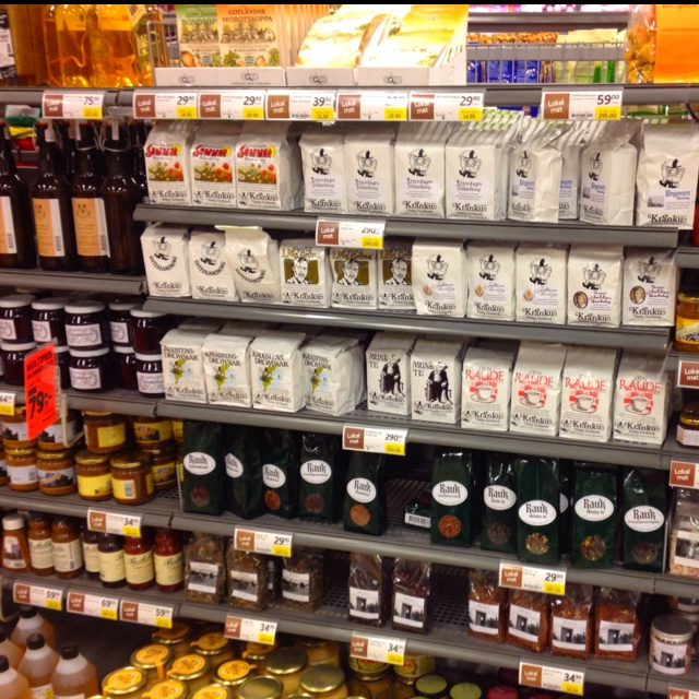 ICA Atterdags in Visby. Our teas at their local section.