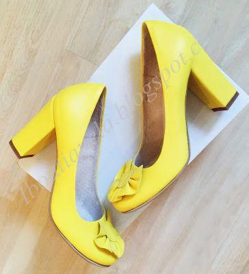 pantofi cu floare toc gros: 10cm pret: 280 RON pt comenzi: incaltamintedinpiele@gmail.com