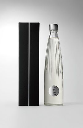 "Japanese packaging for Sake ""Kuromatsu Hakushika"""