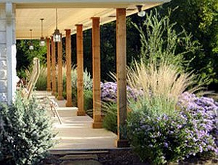 Best 25 farmhouse landscaping ideas on pinterest for Country garden designs landscaping