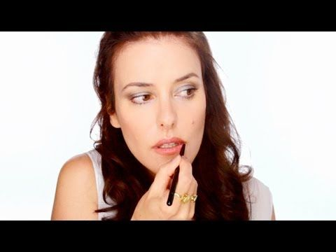 """One of my favorite simple """"back to work"""" makeup tutorials.  I use this eyeshadow all the time now."""