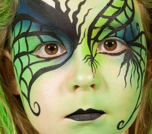 Bellissimo trucco da strega per bambine per la notte di Halloween