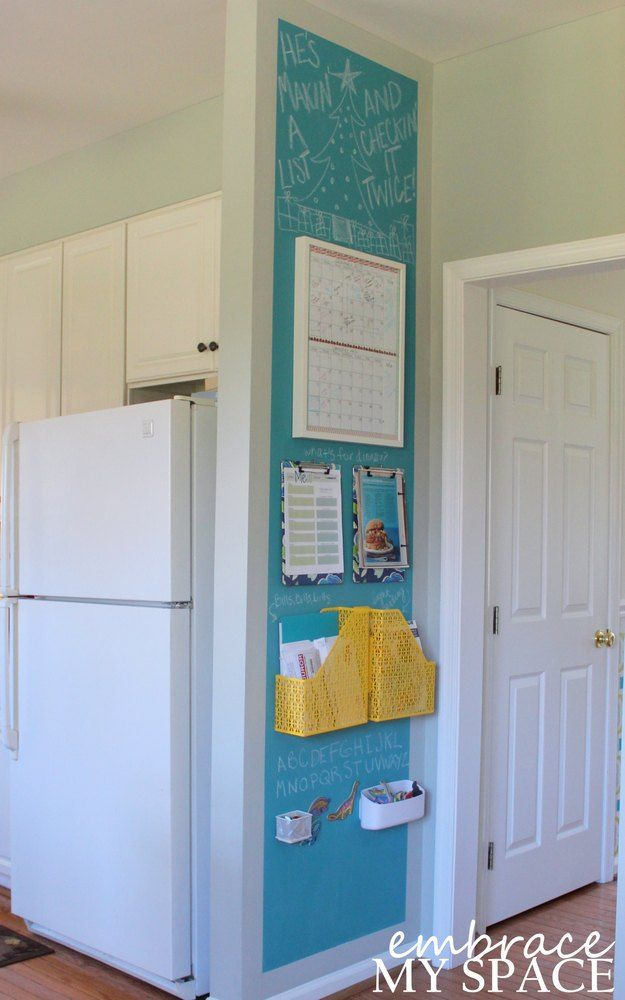 s see what 13 highly organized people do not put on the kitchen counter, countertops, kitchen design, organizing, Notes and Calendars tack them up on a wall