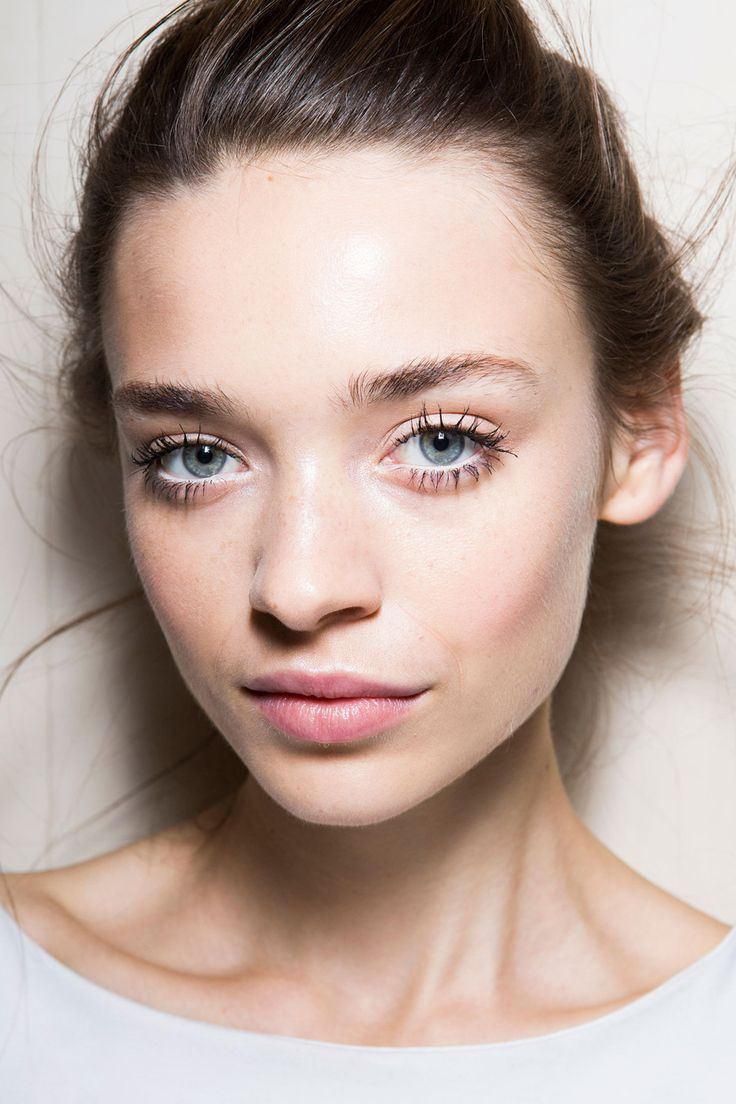 Pale pink cheeks for an everyday look