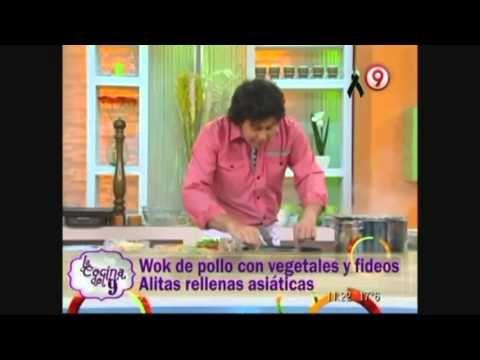 Wok de pollo con vegetales y fideos - Alitas rellenas asiáticas - YouTube
