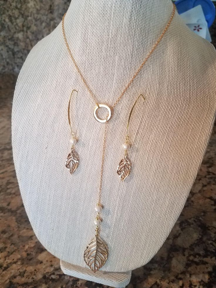 Leaf and Pearls Adjustable Chain Necklace and earrings set by NRoAccessories on Etsy