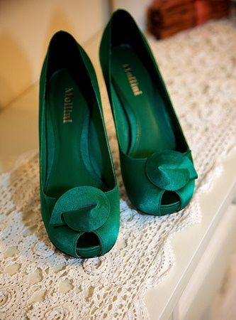 Emerald Green Shoes, I'm in love with these shoes!  Peep-Toes no less!