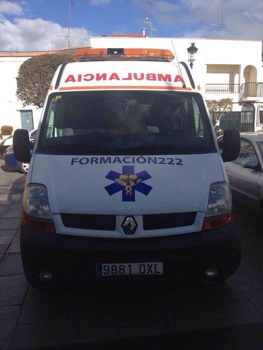 FOTOGRAFÍA CON TU #UNIDAD O #EQUIPO DESDE MADRID  Nuestro compañero @Francisco Javier Tamayo Muñoz, de  www.formacion222.es, empresa de formación de #Madrid, nos envió imágenes de sus unidades de tierra y aire, en las que imparten diversos cursos. Vemos hoy una unidad de tierra. Y los próximos días sus helicópteros.  http://www.ambulanciasyemergencias.co.vu/2015/09/equipo17.html  #ambulancias #emergencias #tes #tts #svb #paramedic #ambulance