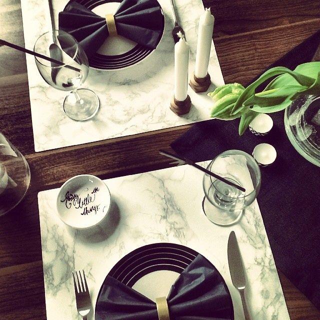 Zapraszam do stołu :) #blogpost #table #onthetable #marble #styling #diy #blackandwhite #flowers #tulips