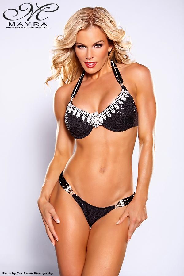 Michelle Lemay im Bikini