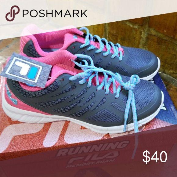 FILA RUNNING SHOES * Size 8.5 Fila Shoes